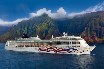 Hawaiian cruise gay bears
