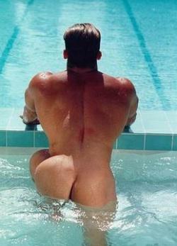 gays in fishnet panties